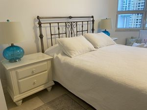 Queen bed with 2 nightstands for FREE for Sale in Miami, FL