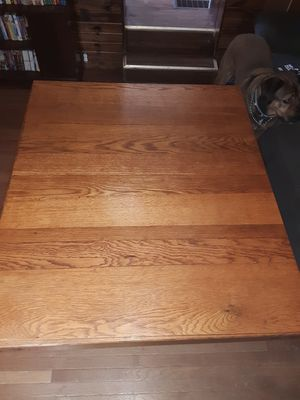 Vintage Antique quarter sawn dining table for Sale in Marysville, OH