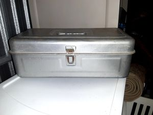 Metal tackle box for Sale in Pasadena, TX
