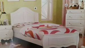 Twin Very Pretty White Bed & Nightstand for Sale in Denver, CO