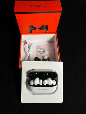 Wireless Bluetooth earbuds 2 For 40$ for Sale in Sacramento, CA