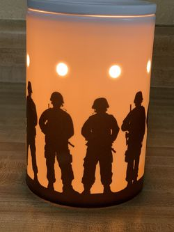 Service And Sacrifice Full Size Warmer for Sale in McFarland,  CA