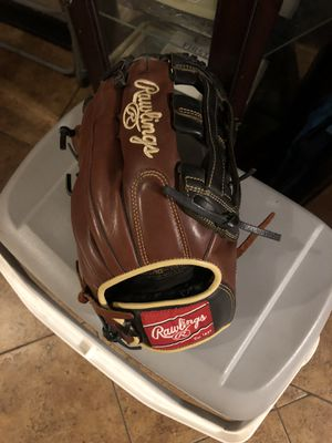 Baseball /softball glove for Sale in La Puente, CA