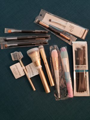 Makeup Brushes - Brand New for Sale in Los Angeles, CA
