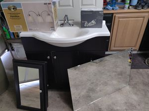 Bathroom vanity set for Sale in Phoenix, AZ