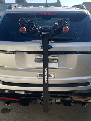 Yakima 4 bike rack hitch style bicycle carrier for Sale in Newark, CA
