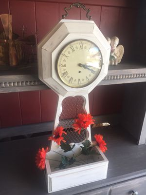 Antique clock for Sale in Riverside, CA