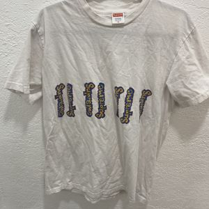 Supreme Shirt Size Medium for Sale in Miami Gardens, FL