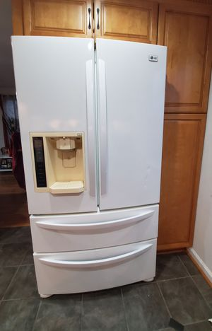 LG Refrigerator for Sale in Herndon, VA