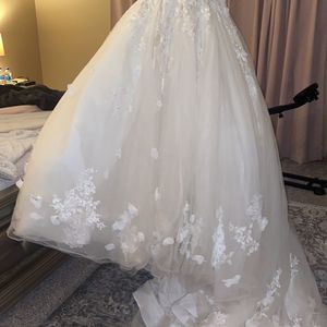 Wedding Dress for Sale in Mokena, IL