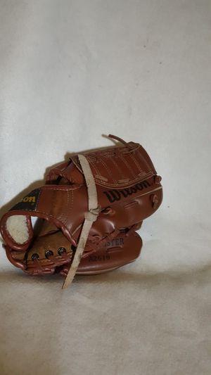 Wilson Boy's Baseball Glove Kirby Puckett Fieldmaster A2610 9.5 for Sale in Hazard, CA