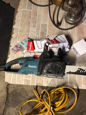 Chainsaw with new blades as a dewalt grinder 9000 rpm for Sale in Allen Park, MI