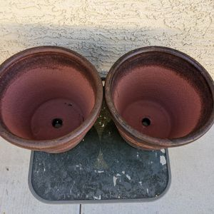 """11"""" Tall Clay Flower Pots for Sale in Las Vegas, NV"""