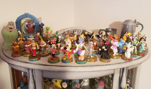 100 YEARS OF DISNEY COLLECTIBLE FIGURINES 37 for Sale in NEW PRT RCHY, FL