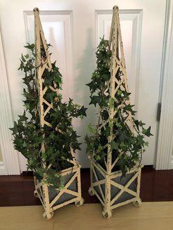 Topiary Planters for Sale in Everett,  WA