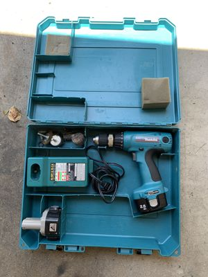 Makita drill with case for Sale in Pasadena, CA