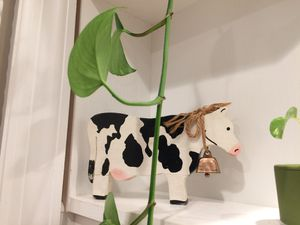 Beautiful Wood cow decor with bell for Sale in New York, NY