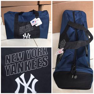 New! MLB New York Yankees Gym Duffle Bag for Sale in Miami Gardens, FL
