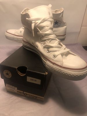 Chuck Taylor All Star Converse Classics (size 8) for Sale in Cleveland, OH