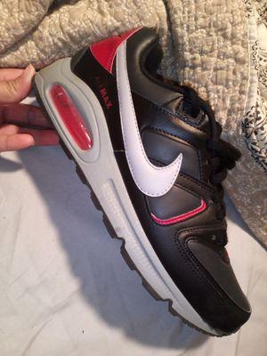 Men's Nike shoe for Sale in Wichita, KS