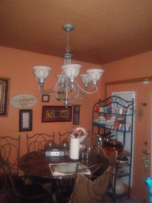 Chandelier for Sale in Richmond, TX
