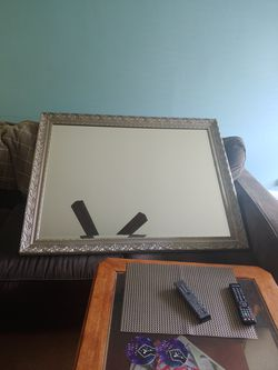 Beautiful decorative mirror-Very Heavy for Sale in Fort Lauderdale,  FL