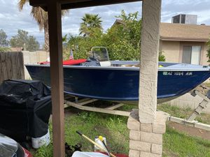 21 foot center console for Sale in Glendale, AZ