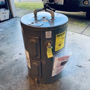 Water Heater (small) for Sale in Duvall, WA