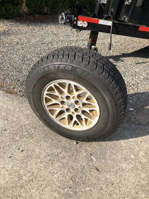 Jeep studded snow tires for Sale in Sumner, WA