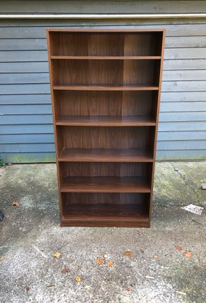 Bookshelf with 6 shelves for Sale in Lilburn, GA