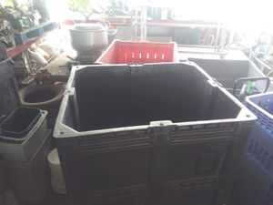 Big plastic storage container for Sale in Orlando, FL