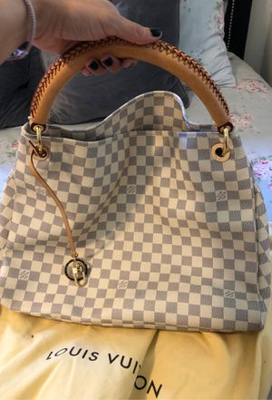 Louis Vuitton Artsy mm for Sale in Spring Valley, CA