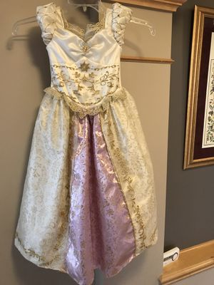 Rapunzel Disney Costume, deluxe quality, child S(5-6) for Sale in Maple Grove, MN