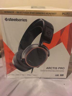 steel series arctis pro headphones for Sale in Fort Washington, MD