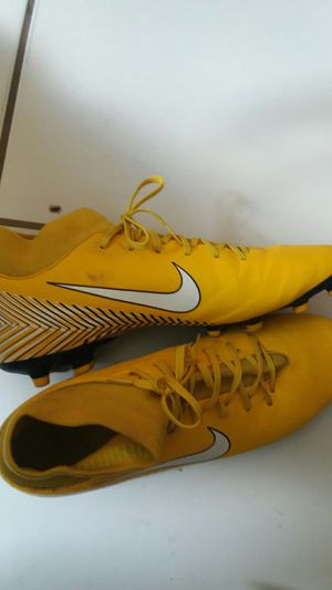 Soccer naymer cleats for Sale in Medley, FL