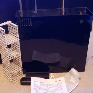 Fiji Cube 40 Gallon Aio Kit 3 Chamber With Custom Filter Media Basket for Sale in Chicago, IL