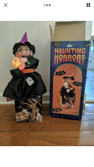 Russ Haunting Horrors witch makes sounds eyes blink moves Halloween w/box WORKS! for Sale in Manteca, CA
