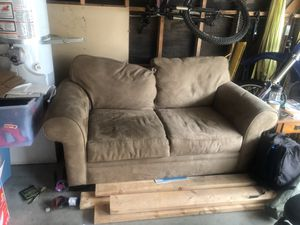 Love seat couch for Sale in Brea, CA
