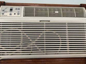 25,000 Btw Ac 220v for Sale in Brooklyn,  NY