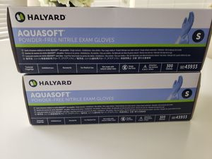 Halyard Aquasoft Nitrile Powder Free Exam Gloves (Small) 2 Boxes (600 Gloves) for Sale in Powder Springs, GA