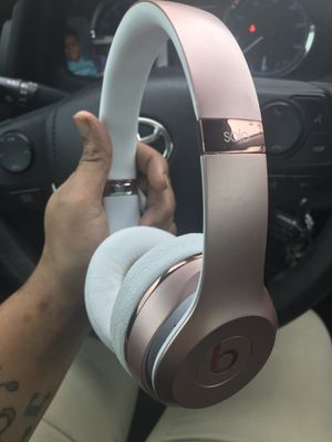 Beats solo wireless headphones for Sale in Mesquite, TX