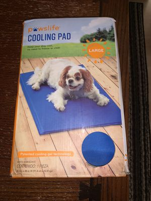 Paws life cooling pad Large for Sale in Wheeling, IL
