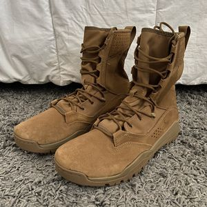 """Nike SFB Field 2 8"""" Leather tactical boots size 10.5 for Sale in Miami, FL"""