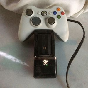 Original Xbox 360 Wireless Remote Control w/Battery Packs / Charger for Sale in Fresno, CA
