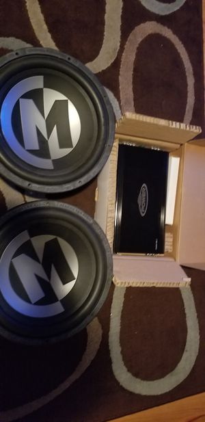 "15"" Memphis Subwoofers w/ 900watt amp for Sale in Nashville, TN"