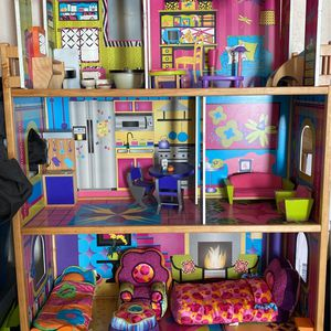 Doll Play House for Sale in Dallas, TX