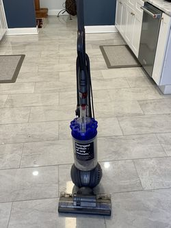 Dyson Ball Animal 2 Upright Vacuum - Bagless - HEPA - Iron/Purple for Sale in San Antonio,  TX