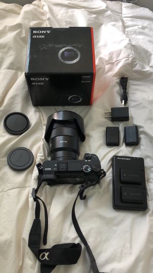 Sony a6300 mirrorless camera for Sale in San Luis Obispo, CA