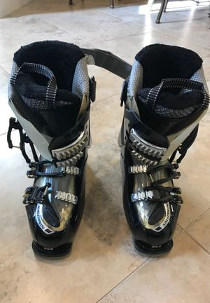 Salomon Ski Boots Size 23.5 for Sale in Pembroke Pines, FL