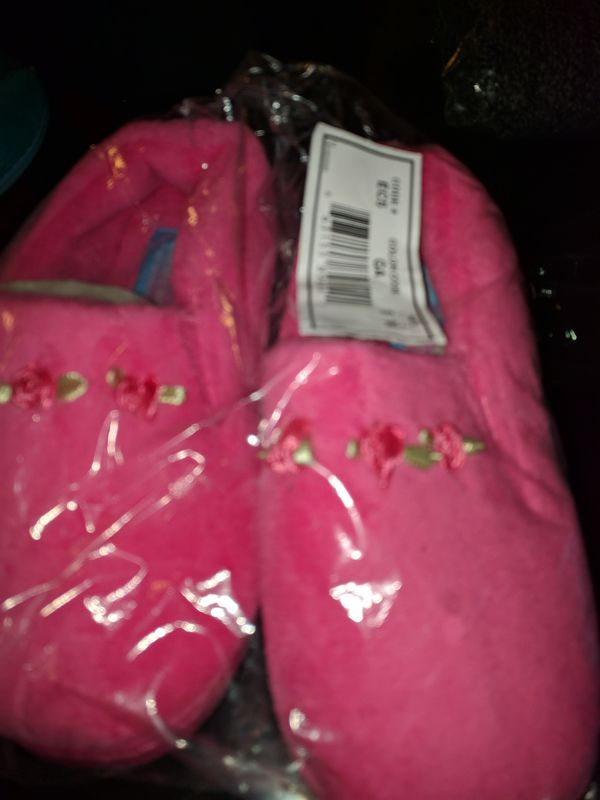 Moonbeam slippers size 5 for kids girls must pick up Washington DC